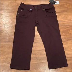 Girl's stretch capris by takara size 10